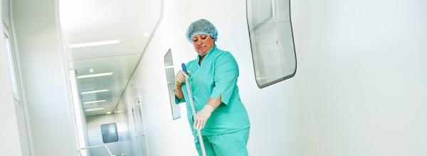 A importância da responsabilidade durante a limpeza hospitalar