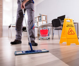 Limpeza terceirizada: Conheça as vantagens de contratar esse serviço